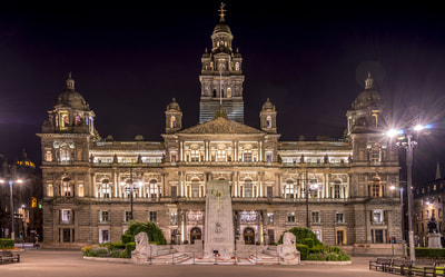 Glasgow city chambers at night.